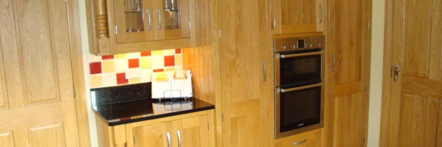 Kitchen design - white oak shaker style kitchen